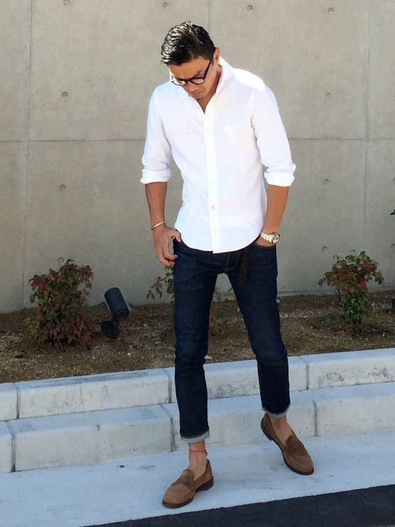白シャツにジーンズコーデ